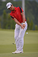 Andy ZHANG (CHN) chips on to 11 during Rd 4 of the Asia-Pacific Amateur Championship, Sentosa Golf Club, Singapore. 10/7/2018.<br /> Picture: Golffile | Ken Murray<br /> <br /> <br /> All photo usage must carry mandatory copyright credit (&copy; Golffile | Ken Murray)