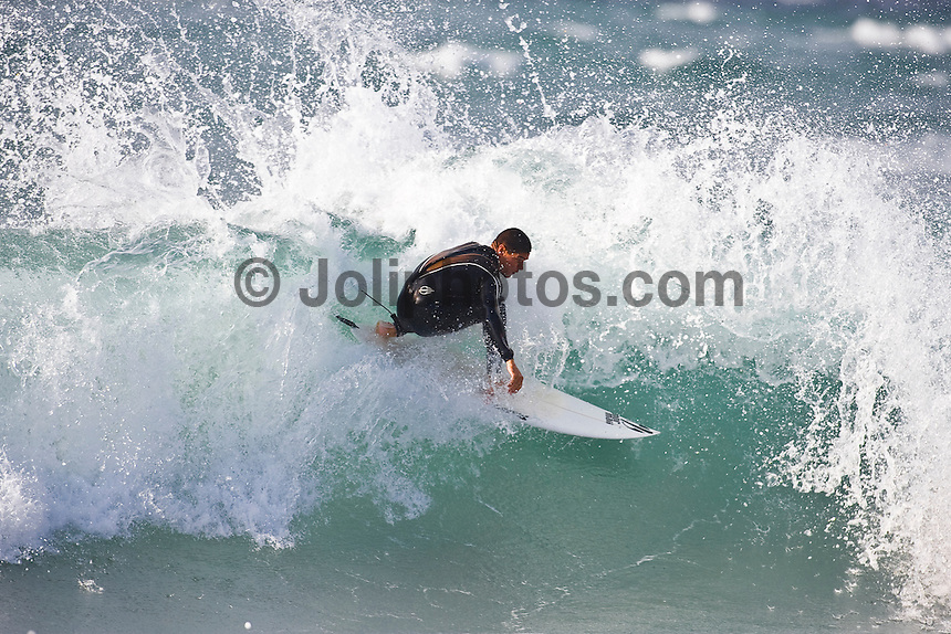 MUNDAKA, Basque Country/Spain ( October, 2008). HEITOR ALVES (BRA) enjoying a free surfing session. Photo: joliphotos.com