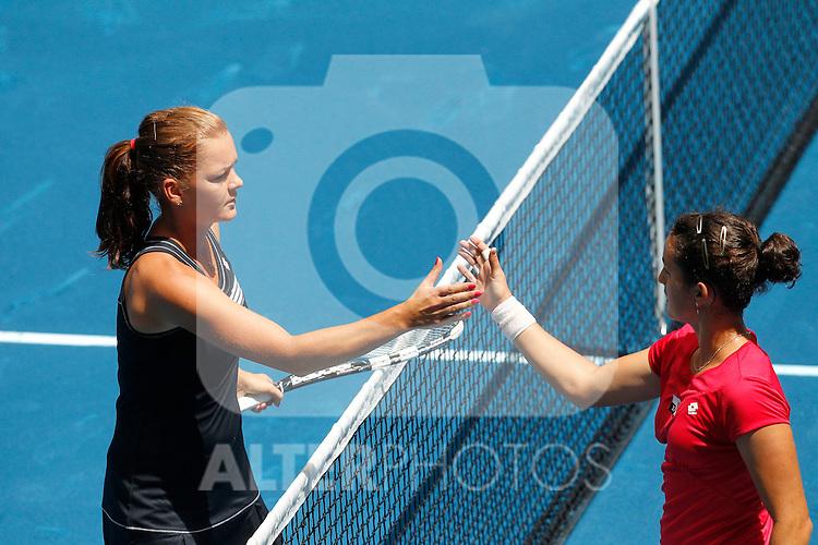 Poland's Agnieszka Radwanska and Spain's Lara Arruabarrena during Mutua Madrid Open 2012 match on may 6th 2012...Photo: Cesar Cebolla / ALFAQUI