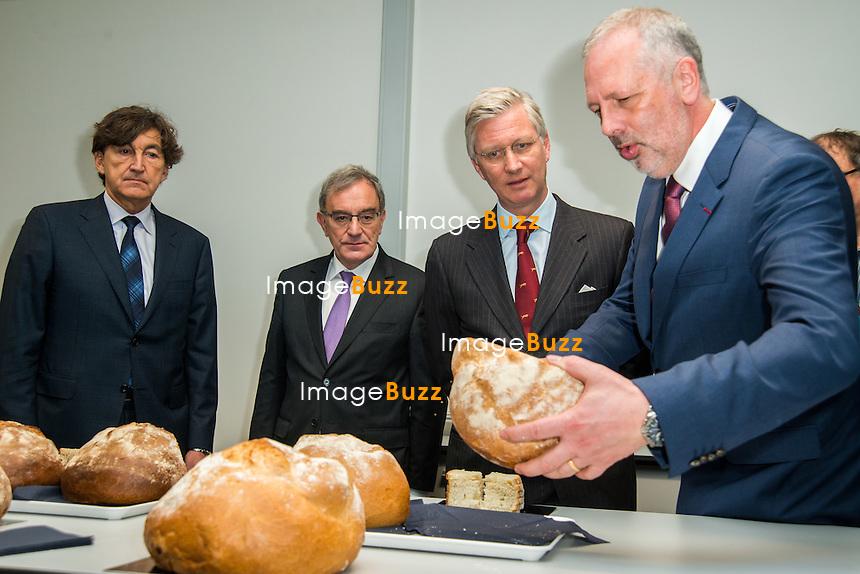 Le Roi Philippe visite l'Inspirience Center  Centre de recherche mondial de &quot;Puratos&quot;. Inaugur&eacute; fin 2014 il est le centre d&eacute;di&eacute; &agrave; l'innovation et la cr&eacute;ativit&eacute; dans le domaine de la boulangerie, p&acirc;tisserie et du chocolat. <br /> Belgique, Dilbeek, le 13 janvier 2015.<br /> King Philippe of Belgium visits the 'Inspirience Center' of Puratos in Dilbeek.<br /> Puratos is a group active in the bakery, pastry and chocolate production.<br /> Belgium, Dilbeek, 13 January 2015.