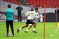 Bundestrainer Joachim Loew (Deutschland Germany) sieht Thilo Kehrer (Deutschland Germany), Matthias Ginter (Deutschland Germany) beim Sprinttraining zu - 12.10.2018: Abschlusstraining der Deutschen Nationalmannschaft vor dem UEFA Nations League Spiel gegen die Niederlande