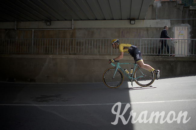 Maarten Tjallingii (NLD/LottoNL-Jumbo) having fun on the way to the start<br /> <br /> 2015 Giro<br /> st4: Chiavari - La Spezia (150km)
