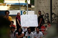 CURITIBA, PR,06.02.2017 – PROTESTO-PR – Manifestantes realizam protesto na praça 19 de dezembro, centro de Curitiba (PR) na noite desta segunda feira (06), contra o aumento da tarifa do transporte público em Curitiba. (Foto: Paulo Lisboa/Brazil Photo Press)