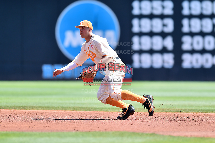 Tennessee Volunteers shortstop Nick Senzel (13) during a game against the Vanderbilt Commodores at Lindsey Nelson Stadium on April 24, 2016 in Knoxville, Tennessee. The Volunteers defeated the Commodores 5-3. (Tony Farlow/Four Seam Images)