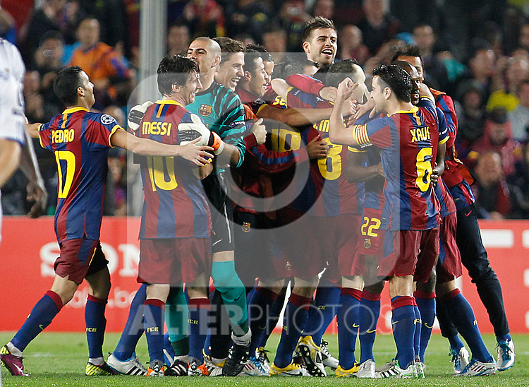 FC Barcelona's players celebrate the victory in the UEFA Champions League Semifinal match.May 3,2011.(ALTERPHOTOS/Acero)