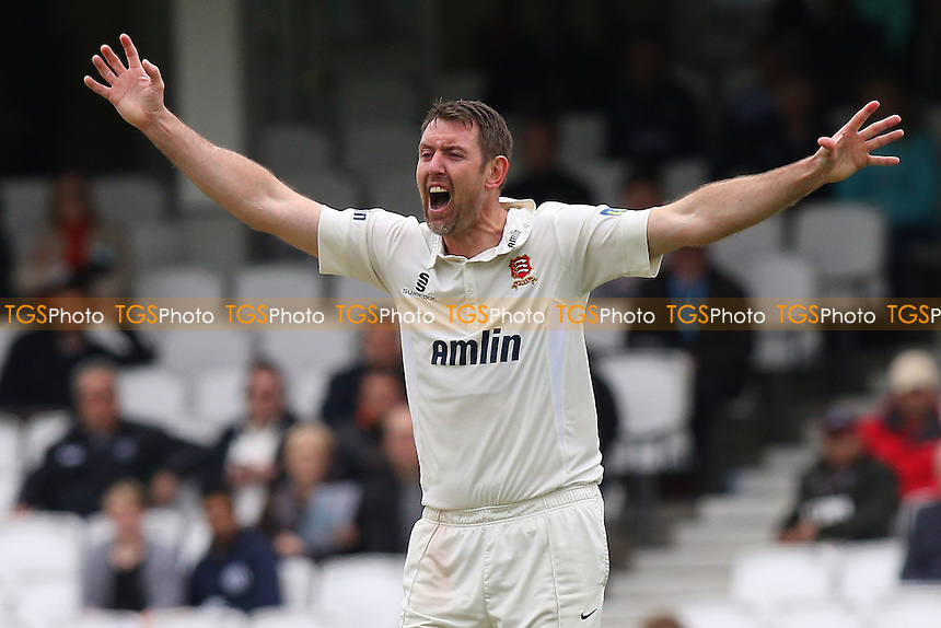 David Masters of Essex appeals for the wicket of Zafar Ansari - Surrey CCC vs Essex CCC - LV County Championship Division Two Cricket at the Kia Oval, Kennington, London - 26/04/15 - MANDATORY CREDIT: Gavin Ellis/TGSPHOTO - Self billing applies where appropriate - contact@tgsphoto.co.uk - NO UNPAID USE