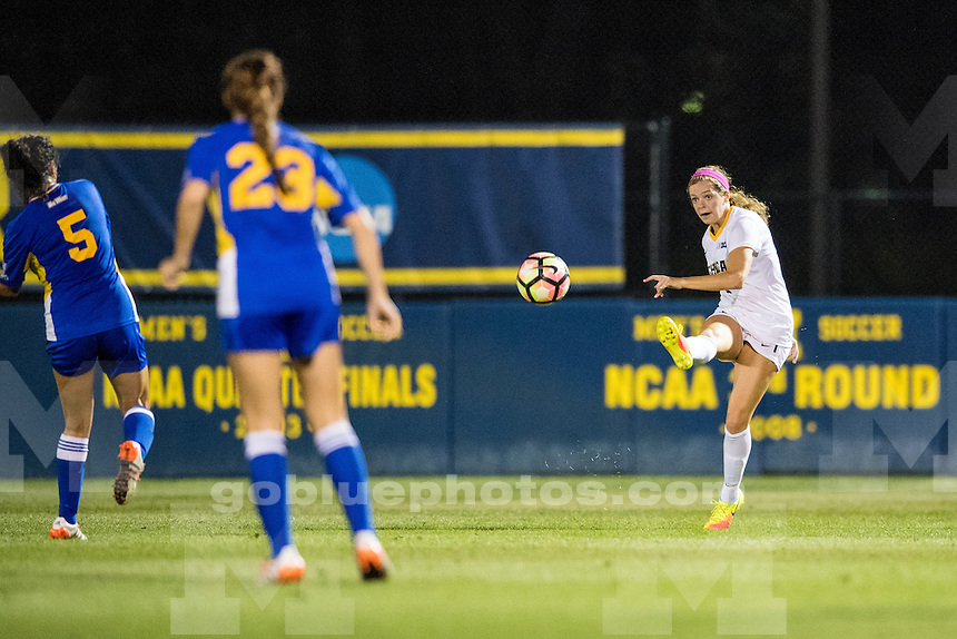 9/9/16 The University of Michigan women's soccer team defeats UC-Riverside, 4-0, at Michigan Soccer Stadium in Ann Arbor, MI on September 9, 2016.