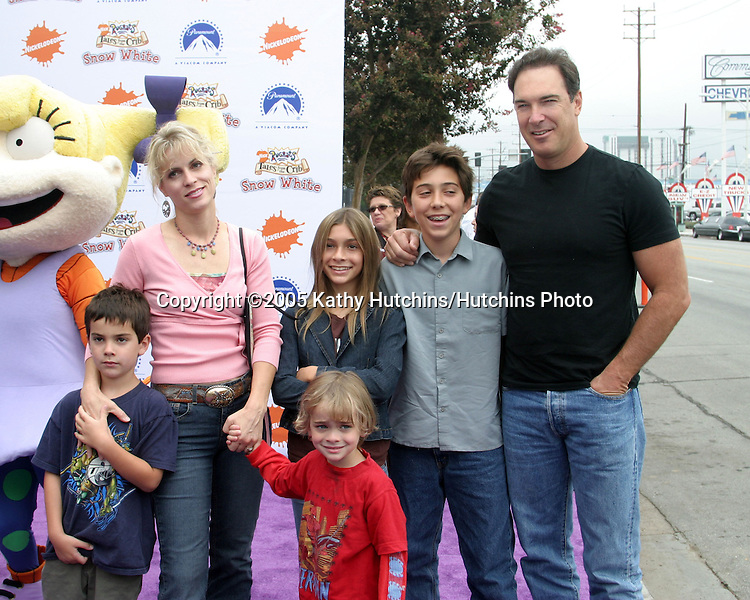 "Patrick Warburton and family.Nickelodeon Presents""  Fairypalooza.Premiere of ""Rugrats Tales From The Crib:  Snow White"".Nickelodeon Animation Studios.Burbank, CA.September 24, 2005.©2005 Kathy Hutchins / Hutchins Photo"