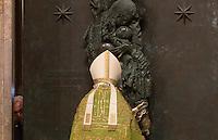 Il Cardinale Vicario di Roma Agostino Vallini chiude la Porta Santa della Basilica di San Giovanni in Laterano, a Roma, 13 novembre 2016. Insieme a quella di San Giovanni, anche le basiliche papali di San Paolo fuori le Mura e di Santa Maria Maggiore chiudono le rispettive porte sante, una settimana prima di quella di San Pietro, per la conclusione del Giubileo della Misericordia.<br /> Rome's Cardinal Vicar Agostino Vallini closes the Holy Door of the St. John Lateran basilica, for the conclusion of the Jubilee of Mercy, in Rome, 13 November 2016.<br /> UPDATE IMAGES PRESS/Riccardo De Luca<br /> <br /> STRICTLY ONLY FOR EDITORIAL USE