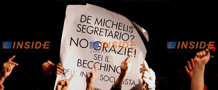 Roma 21 10 2005 V Congresso Nazionale del Nuovo PSI<br /> Nella foto alcuni dimostranti del partito<br /> Photo Serena Cremaschi Insidefoto