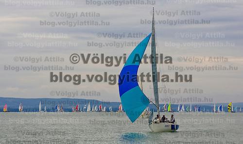 0807186551a 40th Blue Ribbon Regatta race with 570 participating yachts sailing the 160 km course around Lake Balaton near Balatonfured. Hungary. Friday, 18. July 2008. ATTILA VOLGYI