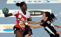 12/04/2012 ALTEA (ALICANTE).- Copa de S. M. La Reina de Balonmano femenino. Partido entre el Itxaco Navarra y el Mar Sagunto / FOTO: CARLOS RODRIGUEZ