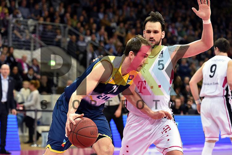 Am Ball Oldenburgs Nr11 Adam Chubb im Spiel Telekom Baskets Bonn - EWE Baskets Oldenburg.<br /> <br /> Foto &copy; P-I-X.org *** Foto ist honorarpflichtig! *** Auf Anfrage in hoeherer Qualitaet/Aufloesung Belegexemplar erbeten Veroeffentlichung ausschliesslich fuer journalistisch-publizistische Zwecke For editorial use only
