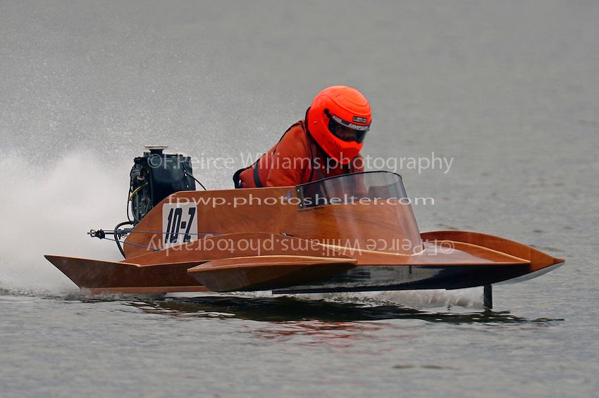 10-Z   (Outboard Hydroplane)