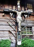 Germany, Baden-Wurttemberg, Gutach: open-air museum Vogtsbauernhof, crucifix | Deutschland, Baden-Wuerttemberg, Schwarzwald, Gutach: Freilichtmuseum Vogtsbauernhof, Kruzifix