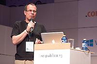 """Thomas Wiegold, Journalist, Blogger und Verteidigungsexperte haelt am Mittwoch (08.05.13) in Berlin auf der re:publika einen Vortrag mit dem Titel """"Die Digital Natives ziehen in den Krieg"""".Foto: CommonLens/Axel Schmidt"""