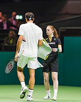 Rotterdam, The Netherlands, 18 Februari, 2018, ABNAMRO World Tennis Tournament, Ahoy, Singles final, Roger Federer (SUI) gets a towel from a ballgirl<br />