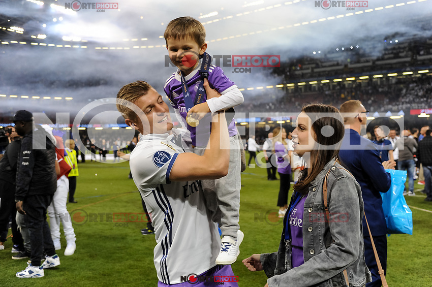 Toni Kroos of Real Madrid celebrate the winning of the Champions League during the UEFA Champions League Final match between Real Madrid and Juventus at the National Stadium of Wales, Cardiff, Wales on 3 June 2017. Photo by Giuseppe Maffia.<br /> <br /> Giuseppe Maffia/UK Sports Pics Ltd/Alterphotos /nortephoto.com