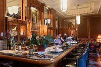Bar im Restaurant Gundel im Stadtwäldchen, Gúndel Karoly út, Budapest, Ungarn