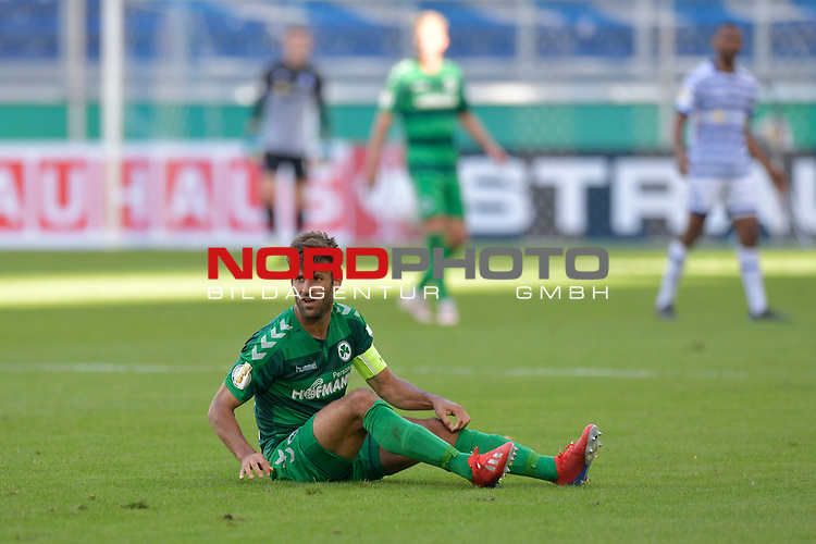 11.08.2019 , Schauinsland-Reisen Arena, Duisburg, DFB Pokal<br /> <br /> DFB REGULATIONS PROHIBIT ANY USE OF PHOTOGRAPHS AS IMAGE SEQUENCES AND/OR QUASI-VIDEO.<br /> <br /> im Bild / picture shows sitzt Marco Caligiuri ( Greuther Fuerth #13 ) auf dem  Boden.<br /> <br /> <br /> Foto © nordphoto / Freund