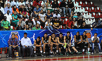 MEDELLIN -COLOMBIA-27-05-2014. Jugadores de Academia de La Monta–a perdieron su primer encuentro contra Cimarrones del Choc—. Accion de juego entre los equipos  de la  Academia de La Monta–a y Cimarrones del Choco.Partido por la semifinal de La Liga Directv  1 de balomcesto disputado en el coliseo de Universidad de Medellin. / Players of Academia de La Monta–a   against of the Cimarrones  of Choco. Match of League semifinal Directv baloncesto 1 match at the Coliseum University of Medellin  Photo: VizzorImage / Luis Rios / Stringer