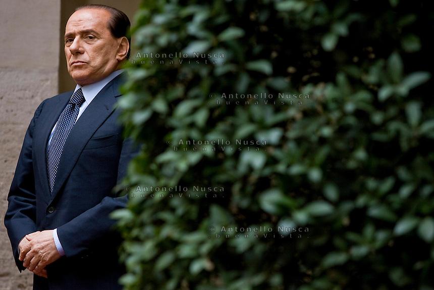 Roma, 9 Marzo 2006. Silvio Berlusconni in attesa della visita di Mubarak