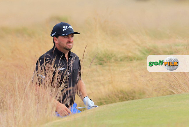 Graeme McDOWELL (NIR) in the sand at the 17th green during Thursday's Round 1 of the 2015 U.S. Open 115th National Championship held at Chambers Bay, Seattle, Washington, USA. 6/18/2015.<br /> Picture: Golffile | Eoin Clarke<br /> <br /> <br /> <br /> <br /> All photo usage must carry mandatory copyright credit (&copy; Golffile | Eoin Clarke)
