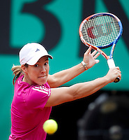 Justine Henin (Bel) (22) against Maria Sharapova (RUS) (12) in the third round of the women's singles. Justine Henin beat Maria Sharapova 6-2 3-6 ..Tennis - French Open - Day 8 - Sun 30 May 2010 - Roland Garros - Paris - France..© FREY - AMN Images, 1st Floor, Barry House, 20-22 Worple Road, London. SW19 4DH - Tel: +44 (0) 208 947 0117 - contact@advantagemedianet.com - www.photoshelter.com/c/amnimages