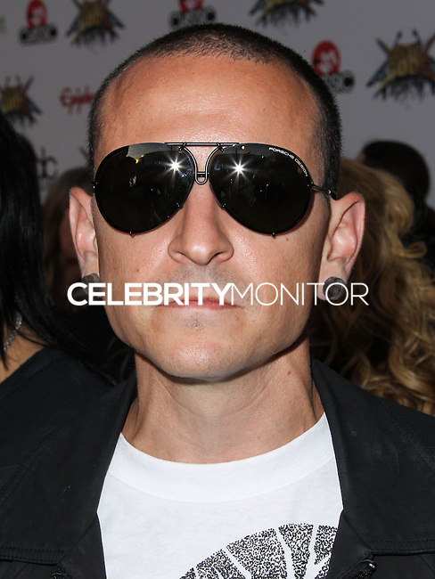 LOS ANGELES, CA, USA - APRIL 23: Chester Bennington at the 2014 Revolver Golden Gods Award Show held at Club Nokia on April 23, 2014 in Los Angeles, California, United States. (Photo by Xavier Collin/Celebrity Monitor)