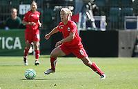 Lori Lindsey controls the ball.  Washington Freedom defeated FC Gold Pride 4-3 at Buck Shaw Stadium in Santa Clara, California on April 26, 2009.
