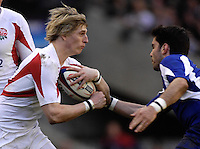 Twickenham, GREAT BRITAIN, left, David STRETTLE running with the ball at Dimitri YACHVILI, during the England vs France Six Nations Rugby International at Twickenham Stadium England on Sunday 11.03.2007,  [Photo Peter Spurrier/Intersport Images]