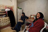 AIN DRAHAM, TUNISIA - 22 SETTEMBRE: Donne in cucina
