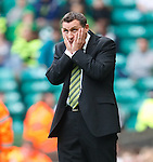 Tony Mowbray dejection as Celtic miss a string of chances in the second half