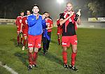 2015-10-31 /voetbal / seizoen 2015 - 2016 / Zwaluwen Olmen – Wezel / Kristof Houben (l) (Olmen) en Toon Mertens (r) (Olmen) bedanken het aanwezige publiek voor hun steun