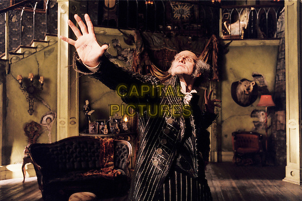 JIM CARREY.in Lemony Snicket's A Series of Unfortunate Events (2004) .*Filmstill - Editorial Use Only*.CAP/AWFF.Supplied by Capital Pictures.