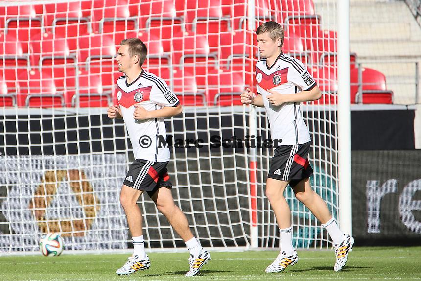 Philipp Lahm und Toni Kroos (D) - Abschusstraining Nationalmannschaft in Mainz