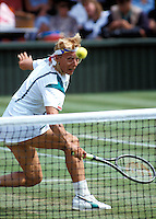 1987,Wimbledon,Martina Navratilova volleys at the net