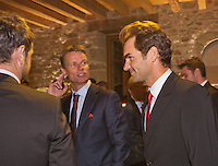 Switserland, Genève, September 16, 2015, Tennis,   Davis Cup, Switserland-Netherlands, location of the official diner  vineyard Clos Du Chateau,  Roger Federer and Dutch Captain Jan Siemerink <br /> Photo: Tennisimages/Henk Koster