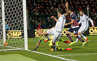 Mario Mandzukic shoots and score during the  italian serie a soccer match,between Crotone and Juventus      at  the Scida   stadium in Crotone  Italy , February 08, 2017