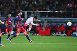 (L-R) Lionel Messi (Barcelona), Gonzalo Martinez (River), <br /> DECEMBER 20, 2015 - Football / Soccer : <br /> FIFA Club World Cup Japan 2015 <br /> Final match between River Plate 0-3 Barcelona  <br /> at Yokohama International Stadium in Kanagawa, Japan.<br /> (Photo by Yohei Osada/AFLO SPORT)