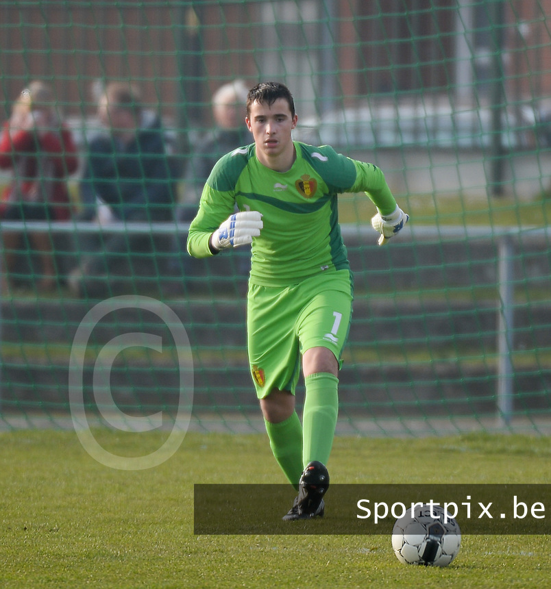 20140314 - HEIST , BELGIUM : Belgian Jens Teunckens pictured during a friendly soccer match between the Under16 soccerteams of Belgium and Serbia , Friday 14 March 2014 in Heist . PHOTO DAVID CATRY