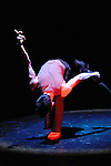 CIBLE DE DIEU..Auteur : POULIN DENIS Jacques..Choregraphie : POULIN DENIS Jacques..Avec : POULIN DENIS Jacques..Lieu : Studio de danse..Cadre : Festival Les Antipodes..Ville : Brest..Le : 23 02 2009..© Laurent PAILLIER / photosdedanse.com