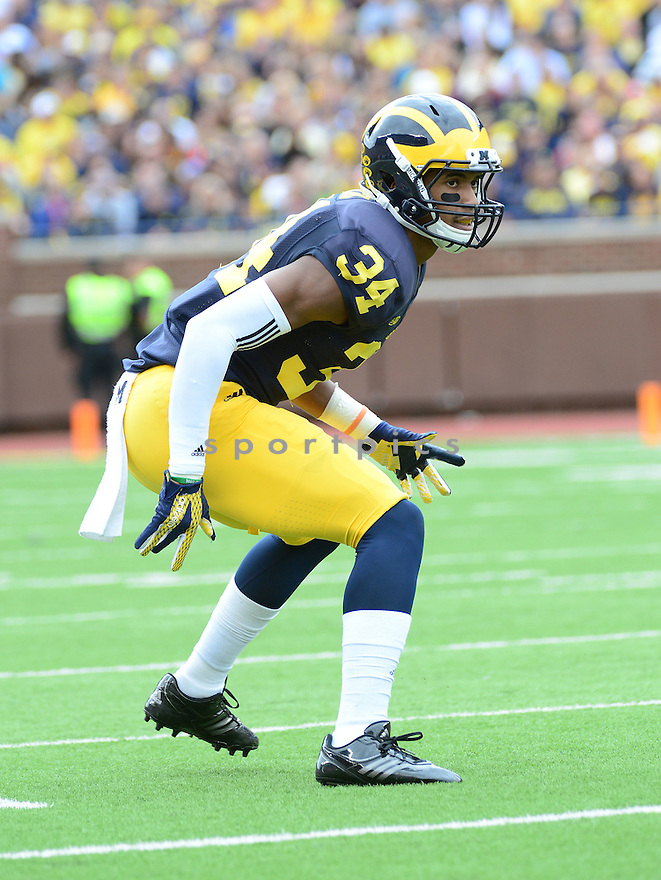 Michigan Wolverines Jeremy Clark (34) during a game against the UNLV Rebels on September 19, 2015 at Michigan Stadium in Ann Arbor, MI. Michigan beat UNLV 28-7.
