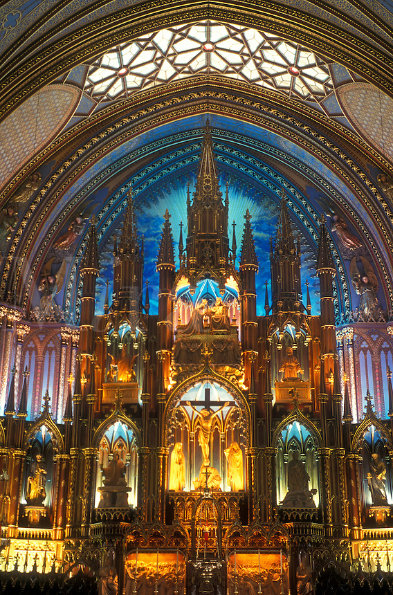 AJ0822, Canada, Quebec, Montreal, cathedral, The magnificent sanctuary of the Basilica of Notre Dame in Vieux Montreal.