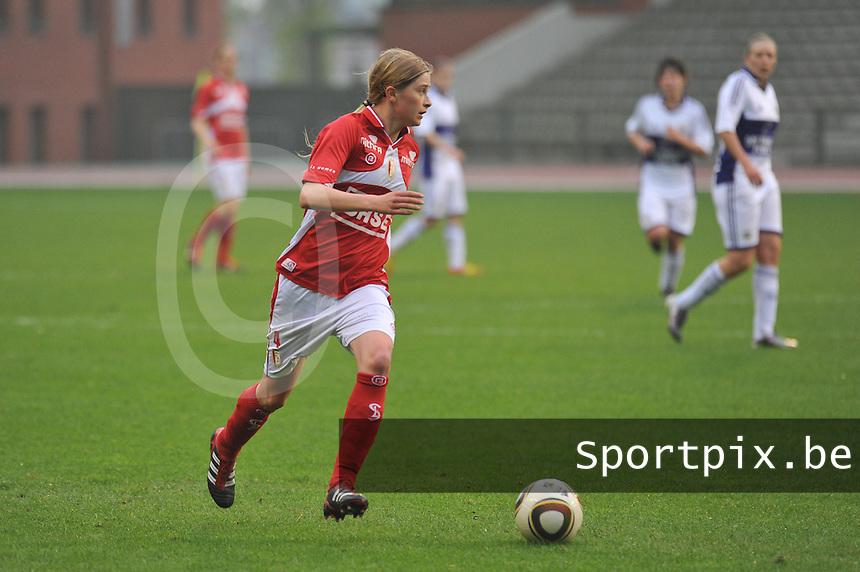 RSC Anderlecht Dames - Standard Femina de Liege : .Julie Biesmans.foto JOKE VUYLSTEKE / Vrouwenteam.be