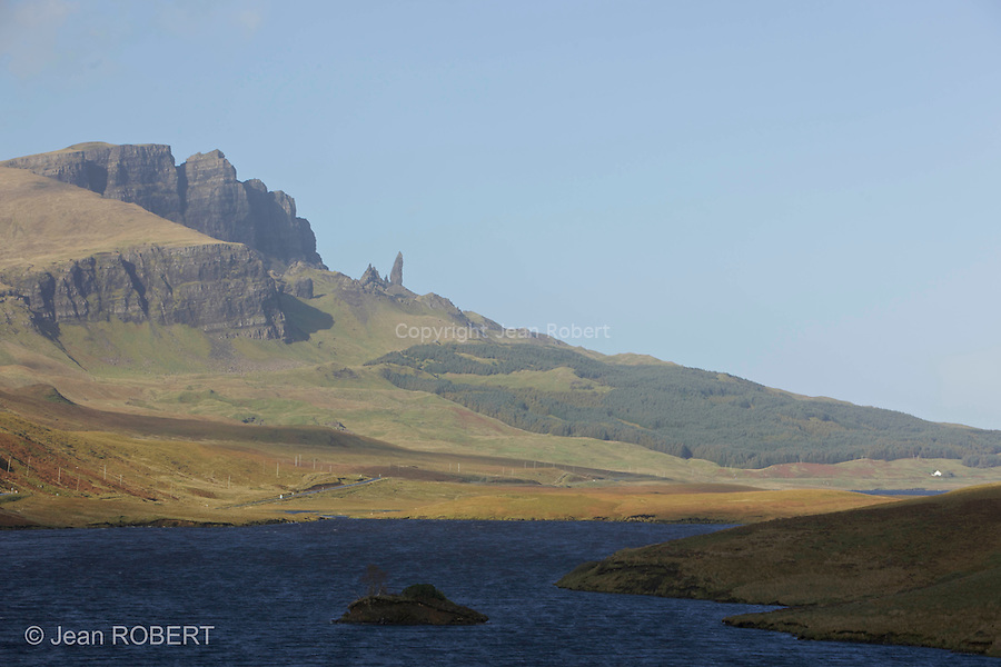Old man  of Storr, colonne de basalte. Skye island.