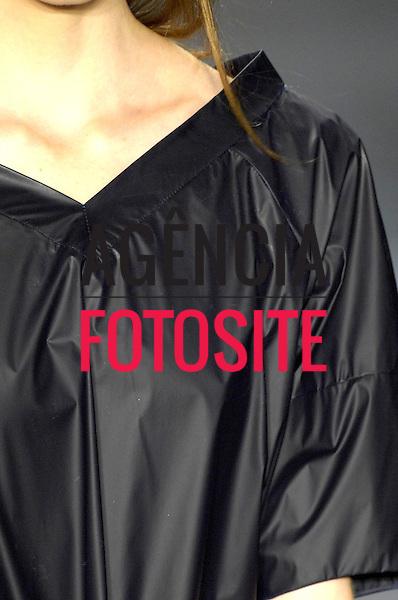 Sao Paulo, Brasil – 17/01/2008 - Detalhes do desfile da Maria Bonita  durante o São Paulo Fashion Week  -  Inverno 2008. Foto : Olivier Claisse / Agência Fotosite