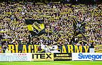 Solna 2015-08-10 Fotboll Allsvenskan AIK - Djurg&aring;rdens IF :  <br /> AIK:s supportrar med halsdukar och flaggor inf&ouml;r matchen mellan AIK och Djurg&aring;rdens IF <br /> (Foto: Kenta J&ouml;nsson) Nyckelord:  AIK Gnaget Friends Arena Allsvenskan Djurg&aring;rden DIF supporter fans publik supporters
