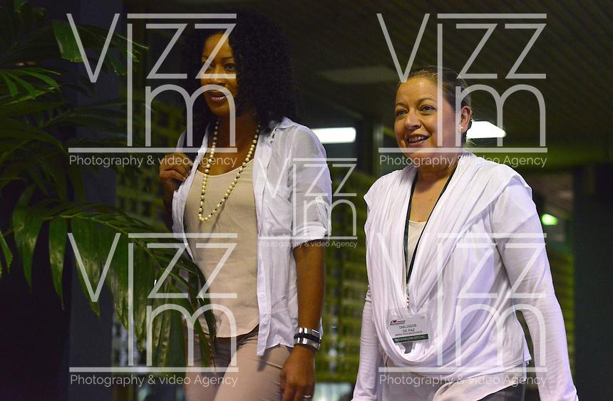 LA HABANA - CUBA, 13-01-2014: Nigeria Rentería (Izq) y Maria PaulinaRiveros miembros del equipo negociador ingresan al Palacio de Las Convenciones de la Habana, Cuba, para comenzar un nuevo ciclo de conversaciones de paz con el grupo guerrillero de las Farc./ Nigeria Renteria (L) and Maria Paulina Riveros members of the negotiating team come into the Conventions' Palace of La Habana, Cuba, to beginning a new round of peace conversations with Farc guerrillas group. Photo: VizzorImage/ Omar Nieto/ Oficina Alto Comicionado para la Paz / HANDOUT PICTURE; MANDATORY USE EDITORIAL ONLY/ TO DOWLOAD THIS PICTURES GO TO THE FREE DOWNLOAD AREA AND ENTER PASSWORD: 54321