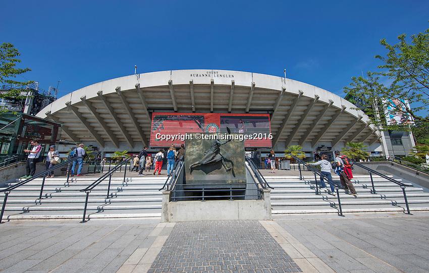 Paris, France, 25 June, 2016, Tennis, Roland Garros,  court Suzanne Lenglen<br /> Photo: Henk Koster/tennisimages.com